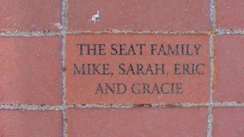 The seat family. Mike, Sarah, Eric and Gracie.