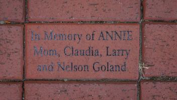 In Memory of ANNIE Mom, Claudia, Larry and Nelson Goland